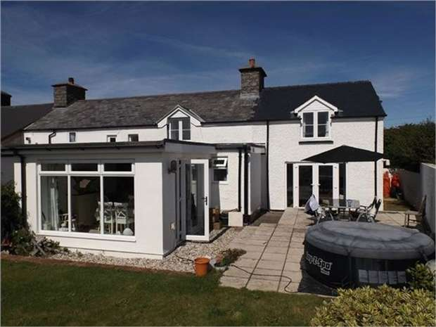 3 Bedrooms Semi Detached House for sale in Llanon, Ceredigion, Llansantffraid Small Hamlet on Cardigan Bay, 100 Metres from Beach