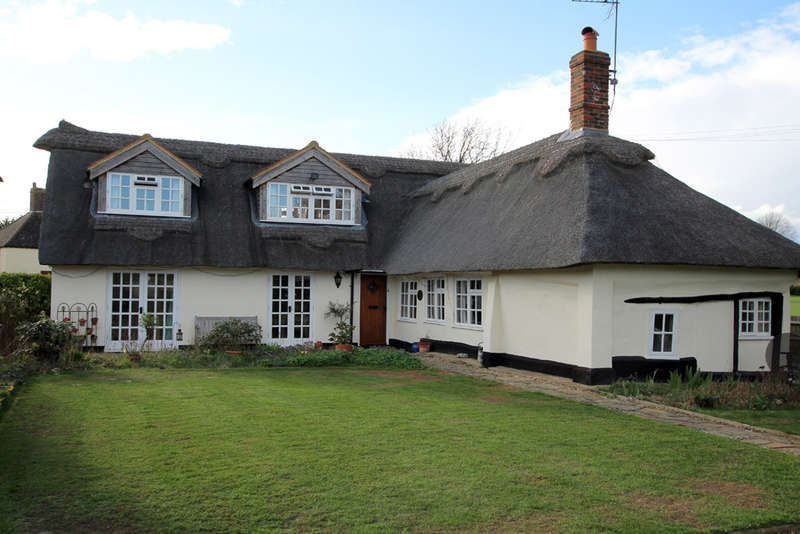 4 Bedrooms Cottage House for sale in Hay Green, Therfield, Royston