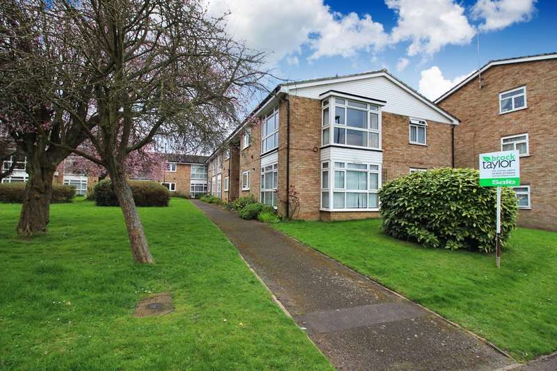 2 Bedrooms Flat for sale in New Street, Horsham