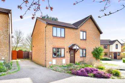 2 Bedrooms Semi Detached House for sale in Groombridge, Kents Hill, Milton Keynes, Bucks