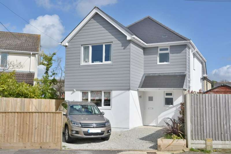 3 Bedrooms Detached House for sale in Sandy Lane, Upton, Poole, BH16 5EL