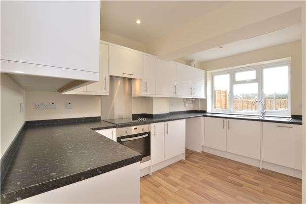 3 Bedrooms Terraced House for sale in Ermin Park, Brockworth, Gloucester, GL3 4DD