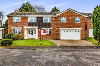 6 Bedrooms Detached House for sale in Brass Wynd, Nunthorpe, Middlesbrough