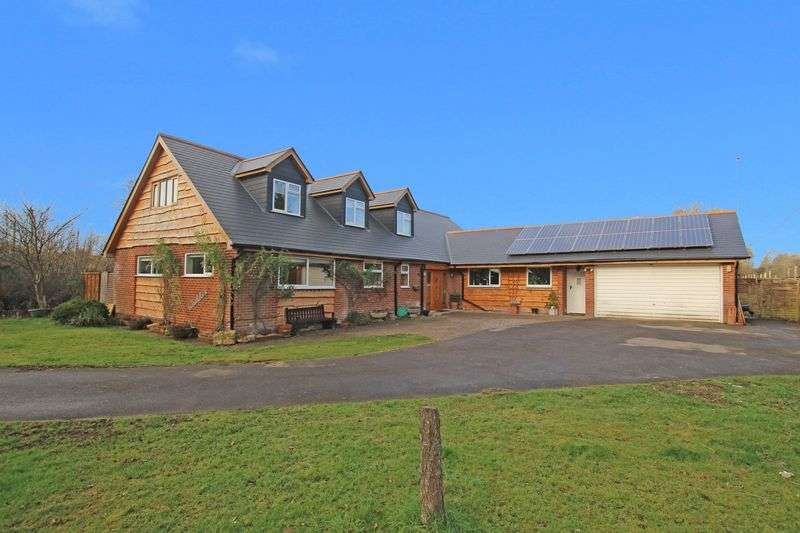 4 Bedrooms Detached House for sale in Kimbridge