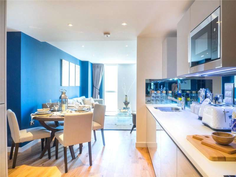 1 Bedroom Flat for sale in Brackenbury Square, Hammersmith Grove, London, W6