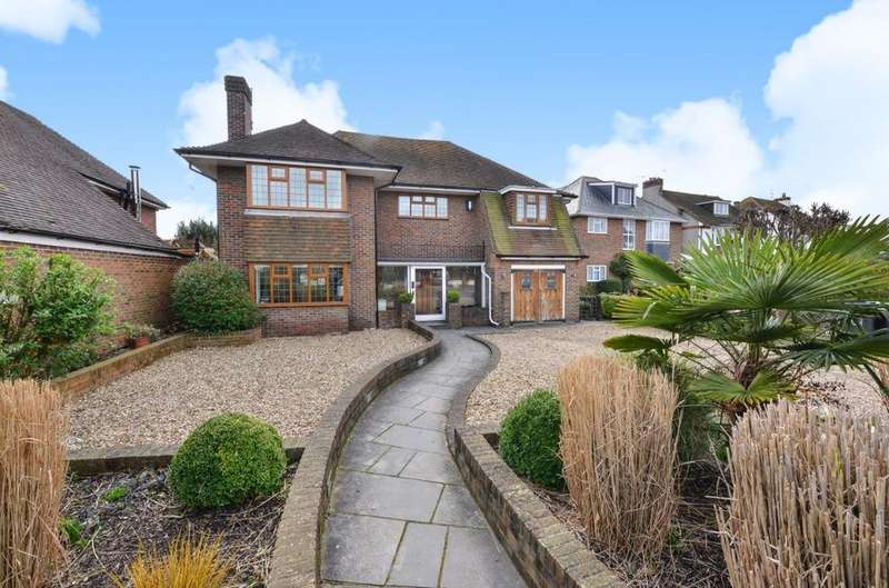 4 Bedrooms Detached House for sale in Upper Shoreham Road Shoreham-by-sea West Sussex BN43