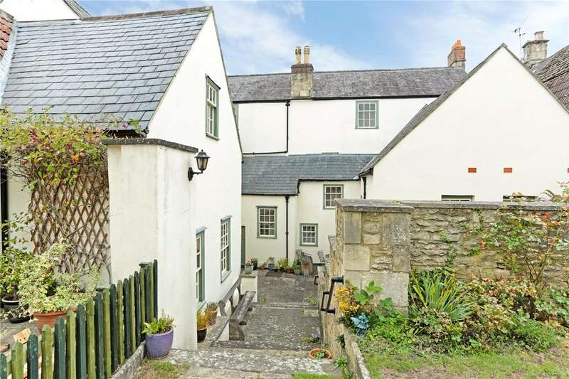 1 Bedroom Flat for sale in St. Mary Street, Chippenham, Wiltshire