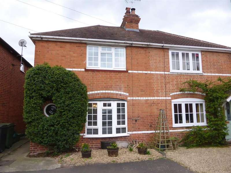 3 Bedrooms House for sale in Meadowside Road, Pangbourne, Reading