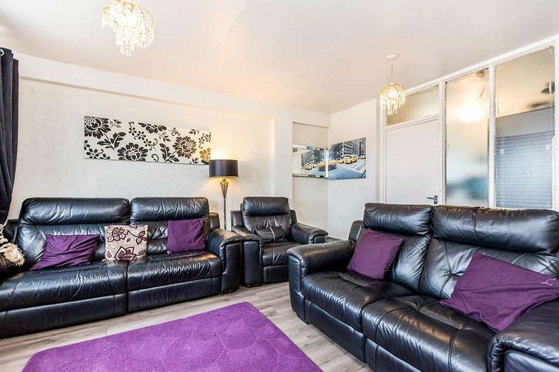 2 Bedrooms Flat for sale in Gresham Tower Shawbury Grove, Birmingham, B12