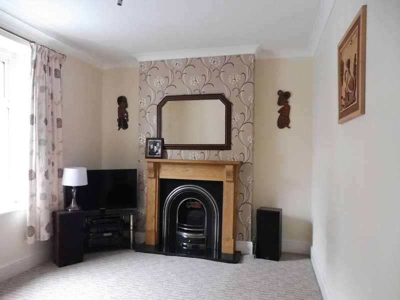 3 Bedrooms End Of Terrace House for sale in Windsor Road, Griffithstown, Pontypool