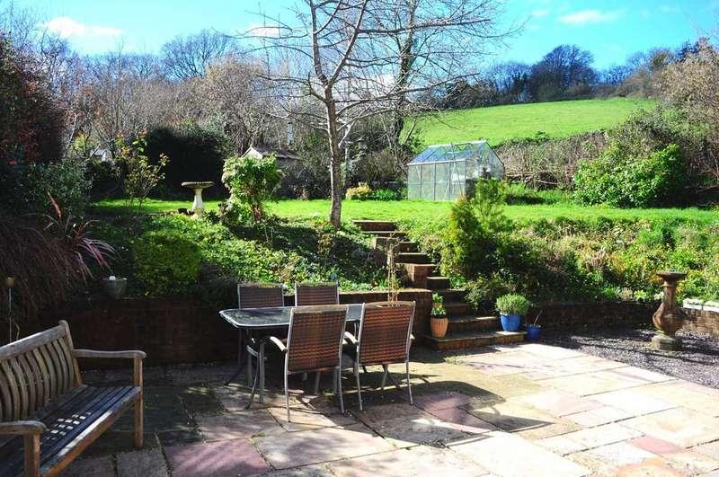 3 Bedrooms Detached House for sale in River View Close, Colyton, Devon