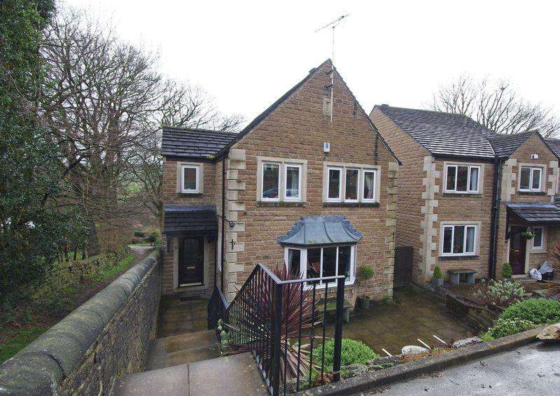 4 Bedrooms Detached House for sale in Orchard Rise, Sowerby, HX6 1EJ