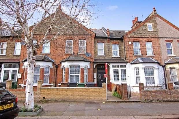 2 Bedrooms Flat for sale in Barrett Road, Walthamstow, London