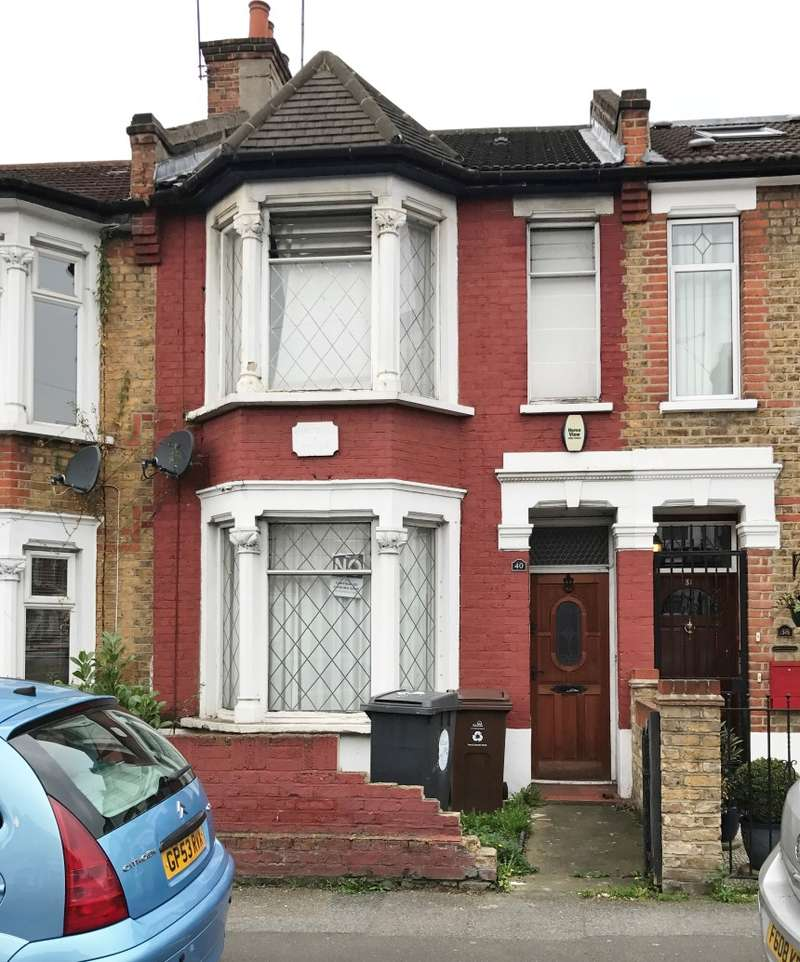 3 Bedrooms Terraced House for sale in Winchester Road, Highams Park, London, E4 9LL