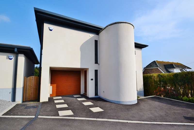3 Bedrooms Detached House for sale in North Swanage