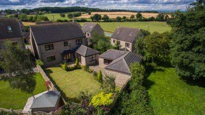 5 Bedrooms Detached House for sale in St Peters Heights, Old Edlington, Doncaster