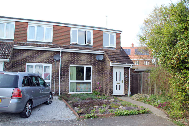 3 Bedrooms Semi Detached House for sale in Yeats Close, Royston