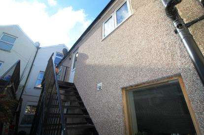 3 Bedrooms Maisonette Flat for sale in Regent Street, Kingswood, Bristol