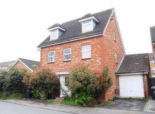 6 Bedrooms Detached House for sale in Warwick Way, Dartford, Kent
