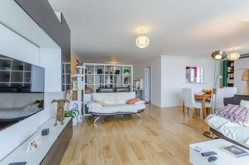 2 Bedrooms Flat for sale in Millennium Drive, Isle Of Dogs, E14