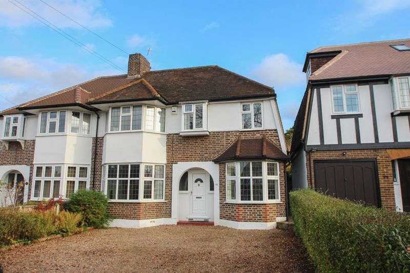 4 Bedrooms Semi Detached House for sale in Hinchley Wood