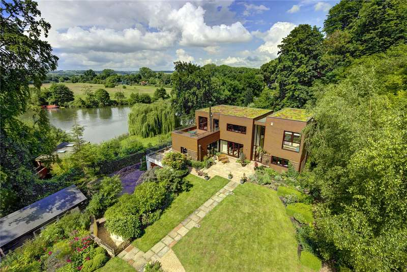 5 Bedrooms Detached House for sale in Quarry Wood, Marlow, Buckinghamshire, SL7