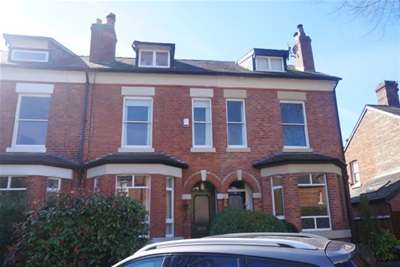 3 Bedrooms Terraced House for rent in Stratford Avenue, West Didsbury, M20 2LH