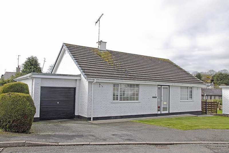 4 Bedrooms Detached Bungalow for sale in Tyn Coed, Llangefni, North Wales