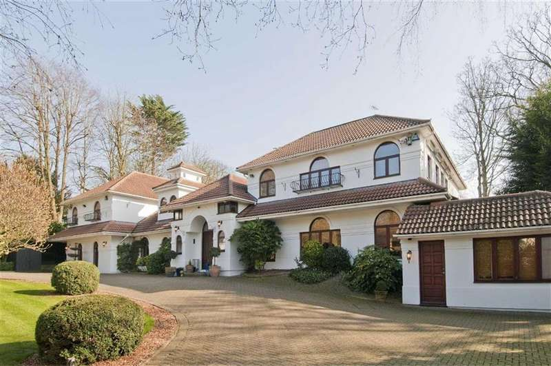 5 Bedrooms Detached House for sale in The Close, Totteridge, London