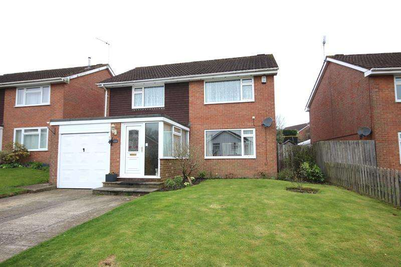 4 Bedrooms Detached House for sale in Rempstone Road, Wimborne