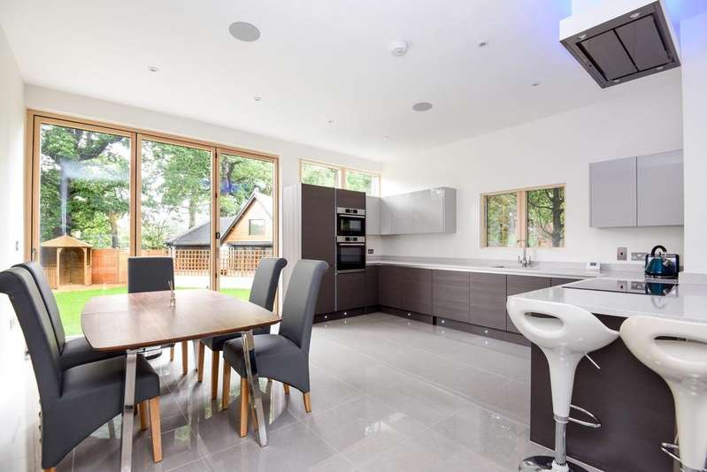 6 Bedrooms Detached House for sale in Oakwood Close Chislehurst BR7