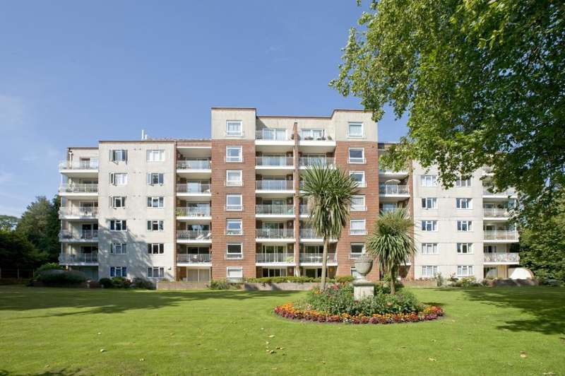 2 Bedrooms Flat for sale in Lindsay Road, Branksome Park, Poole, BH13