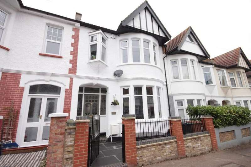 5 Bedrooms Terraced House for sale in Beedell Avenue, Westcliff-on-Sea