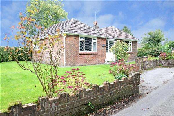 3 Bedrooms Bungalow for sale in Border View, Forge Lane, Zeals, Warminster