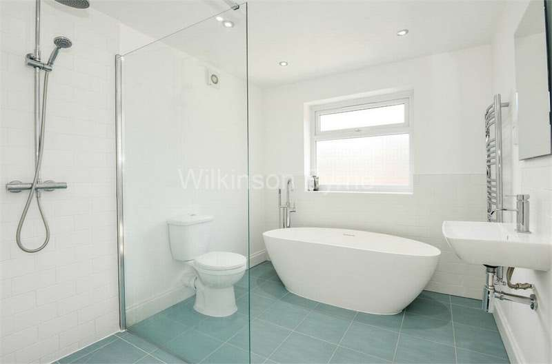 3 Bedrooms Terraced House for sale in Queens Road, Bounds Green