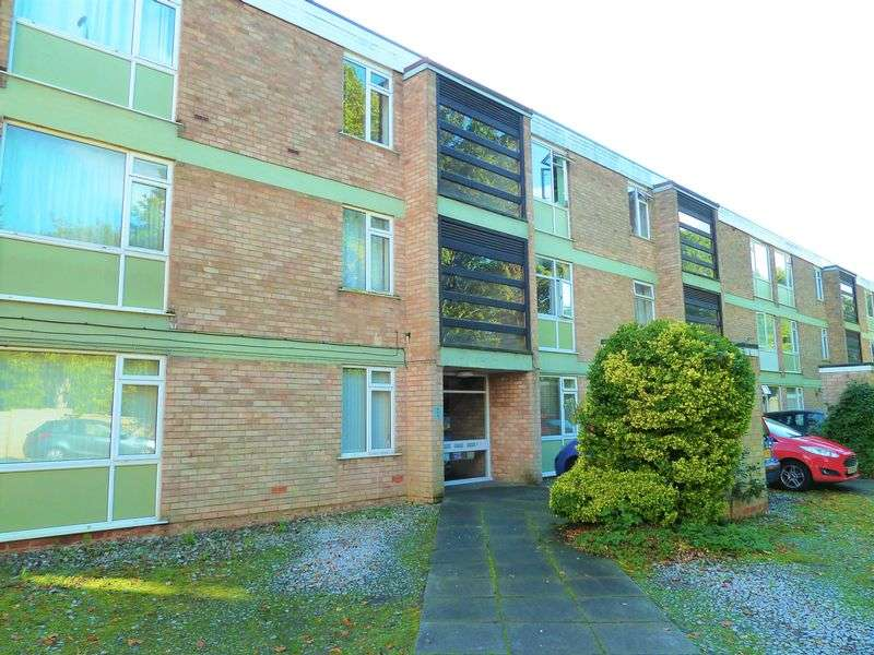 2 Bedrooms Flat for sale in Heather Court, Moseley - Two Bedroom, Top Floor Apartment with No Upward Chain in Moseley!!