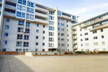 Flat for sale in Hansen Court, Century Wharf, Cardiff Bay
