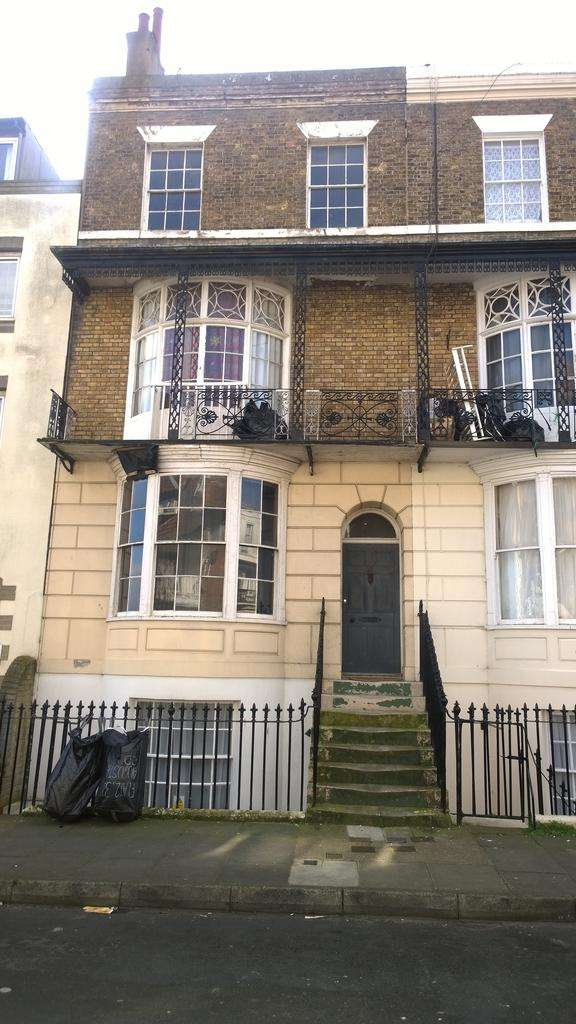 1 Bedroom Flat for sale in Augusta Road, Kent, Thanet, Ramsgate CT11
