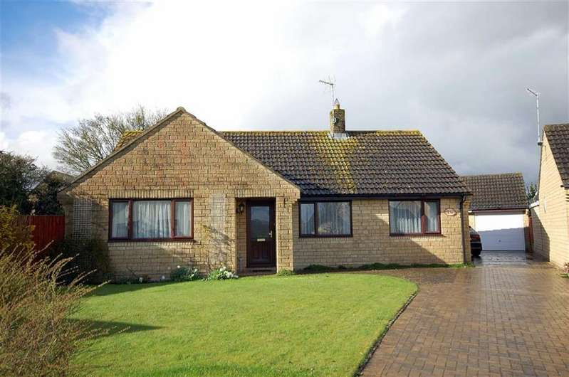 3 Bedrooms Detached Bungalow for sale in 24, Hanks Close, Malmesbury