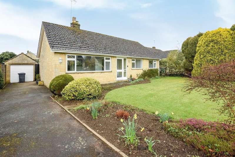 3 Bedrooms Detached Bungalow for sale in Tetbury