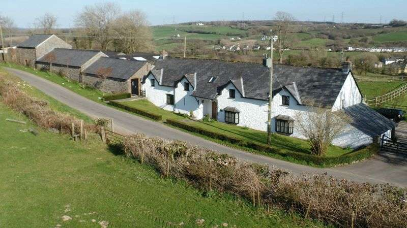 5 Bedrooms Detached House for sale in Ash Cottage, Ystradowen, Nr Cowbridge, Vale of Glamorgan, CF71 7SY