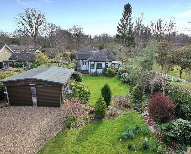 2 Bedrooms Detached Bungalow for sale in Felcot Road, Furnace Wood, West Sussex