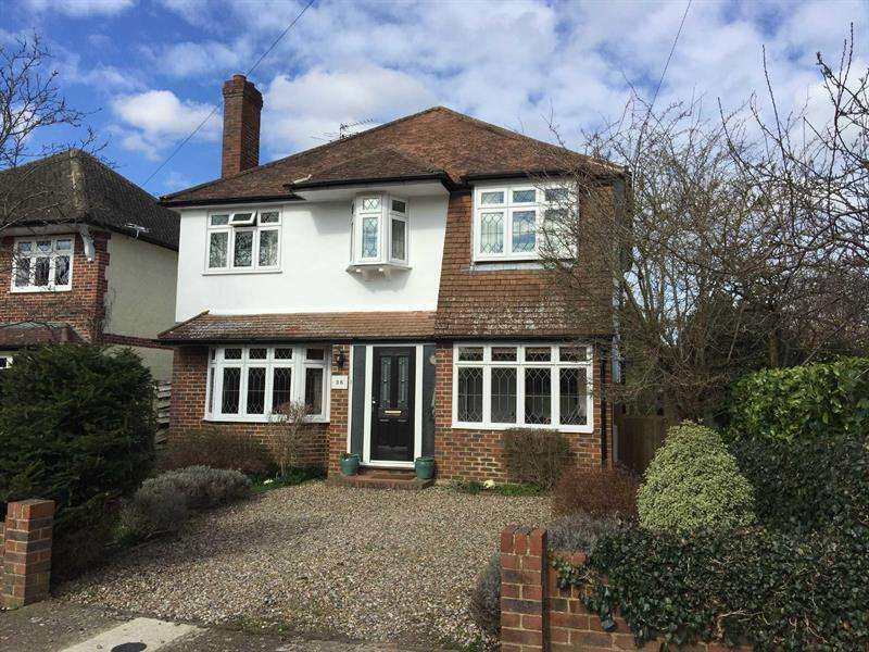 4 Bedrooms Detached House for sale in COBHAM - STOKE D'ABERNON