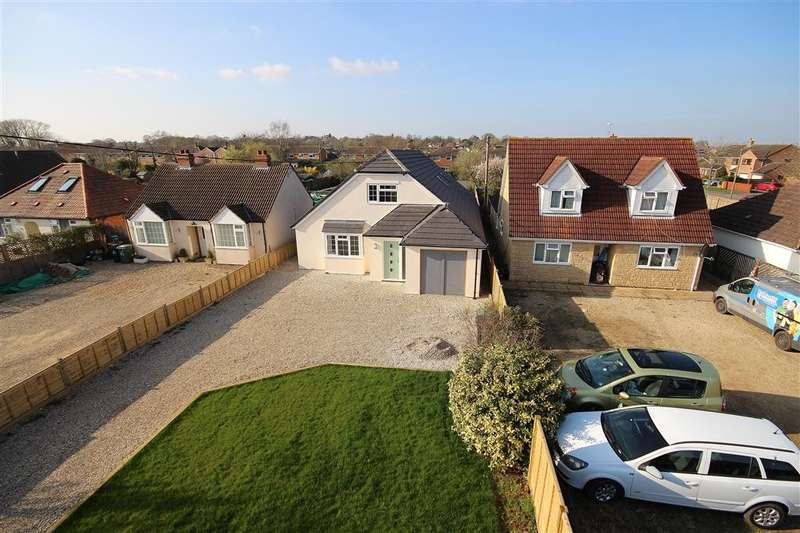 4 Bedrooms Detached House for sale in Foxborough Road, Radley, Abingdon, OX14