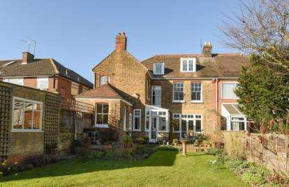 7 Bedrooms Semi Detached House for sale in Grove Hill, South Woodford, London