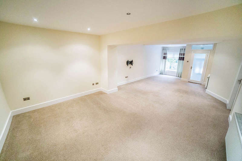 2 Bedrooms Flat for sale in Elvaston Road, Ryton, NE40