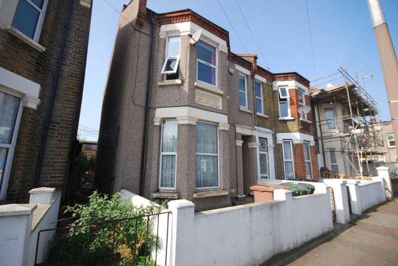 1 Bedroom Flat for sale in Whitney Road, Leyton, E10