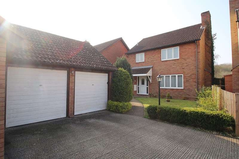 4 Bedrooms Detached House for sale in Lakeside, Funtley, Fareham