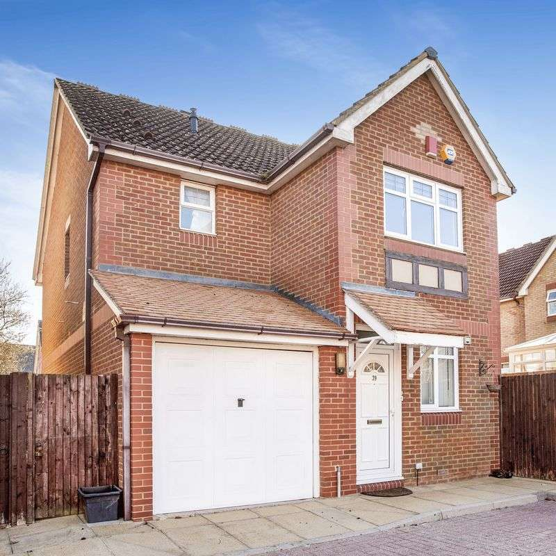 3 Bedrooms House for sale in The Orchard, Virginia Water