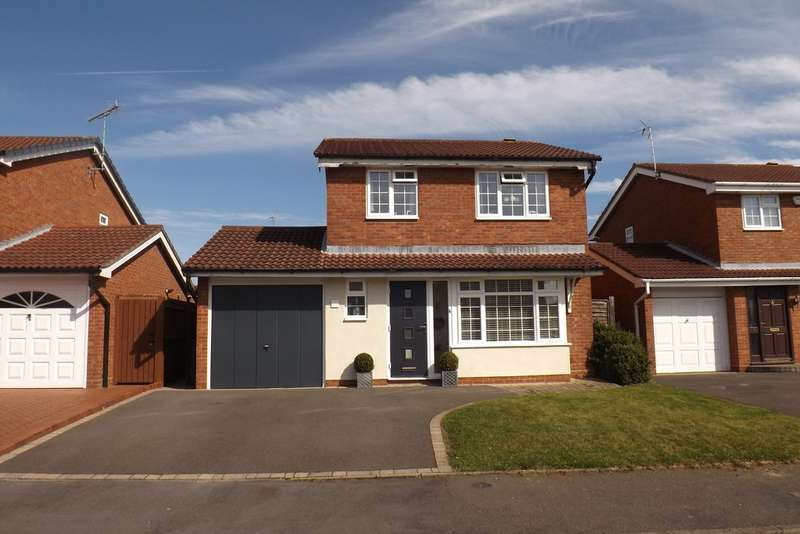 3 Bedrooms Detached House for sale in Kinsham Drive, Hillfield, Solihull
